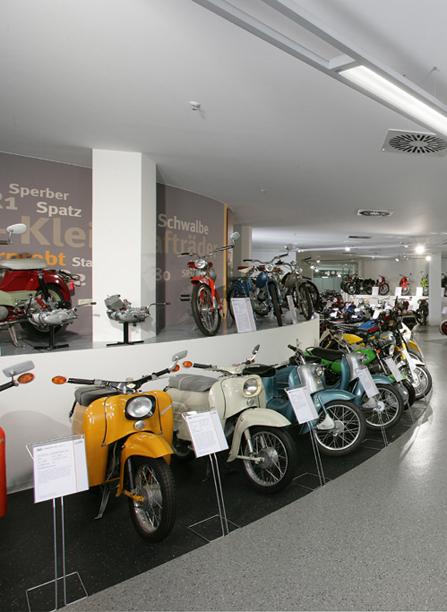 Fahrzeugmuseum b ro f r design innenarchitektur for Design innenarchitektur
