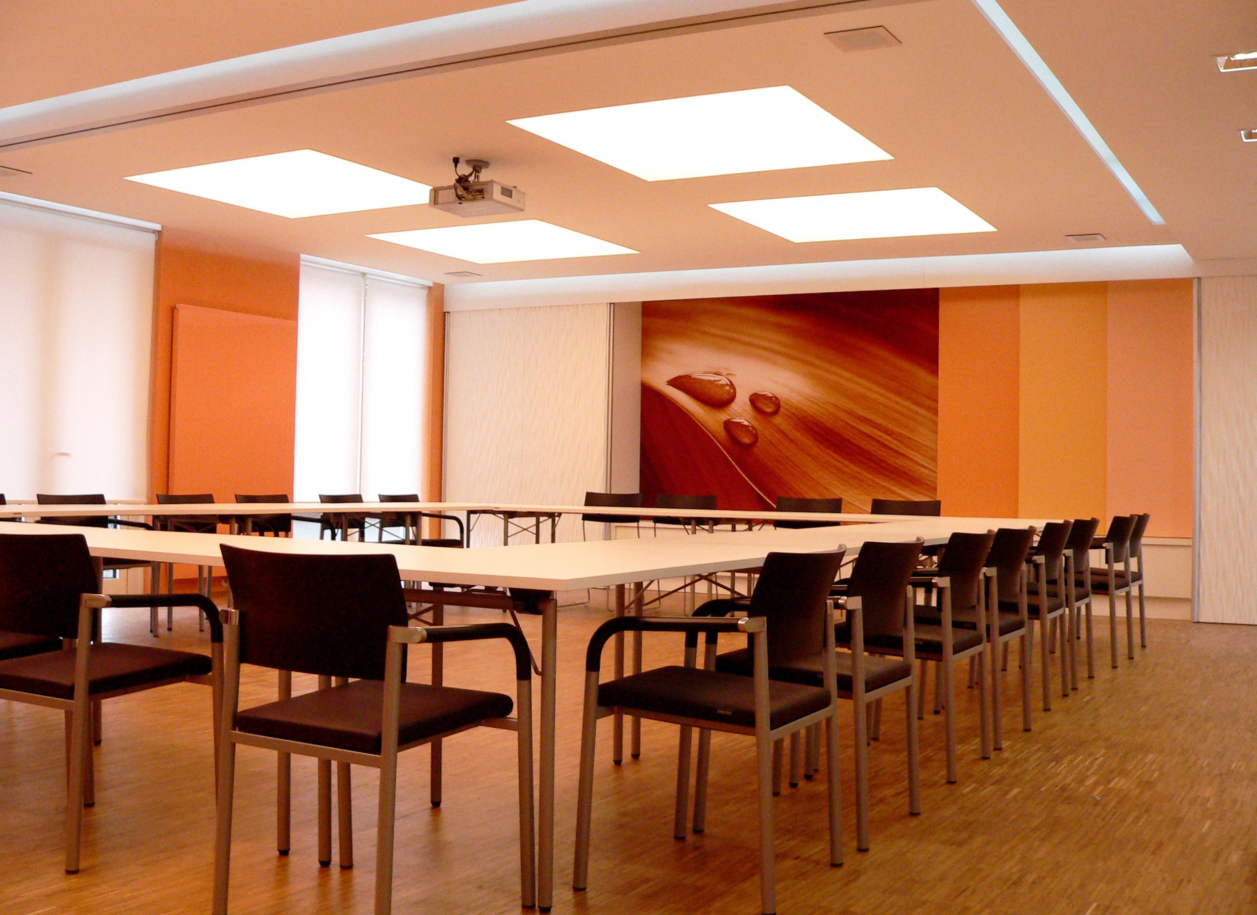 Konferenzsaal b ro f r design innenarchitektur for Design innenarchitektur